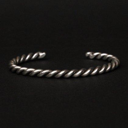 古着 通販 ナバホ Navajo ヴィンテージ シルバーバングル【STERLING】Wire Silver Twisted Design