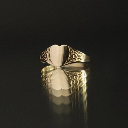 古着 通販 ヴィンテージ ベビー シグネット リング【Made in ENGLAND】【375 9ct Gold】Heart Shaped Design