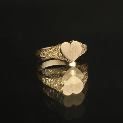 古着 通販 ヴィンテージ シグネット リング【Made in ENGLAND】【375 9ct Gold】Heart Shaped Design
