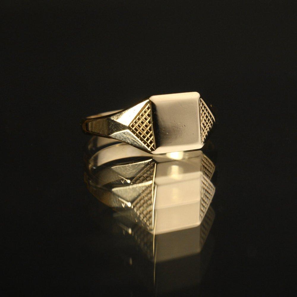 古着 通販 ヴィンテージ シグネット リング【Made in ENGLAND】【375 9ct Gold】Polygon Square