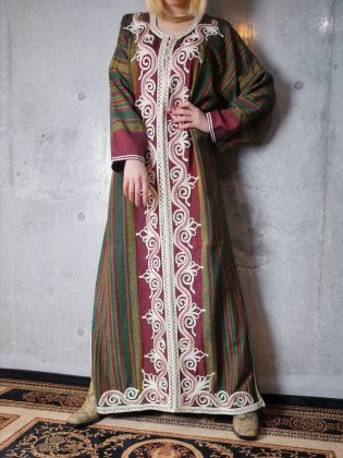 古着 通販 1970年代刺繍カフタンワンピースBeautiful Embroidery Kaftan Dress c.1970s