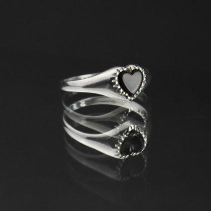 古着 通販 ヴィンテージ シグネット リング【Made in ENGLAND】【STERLING × Onyx】Heart Shaped Design
