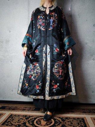 """古着 通販 ヴィンテージ """"襤褸"""" チャイナ刺繍シルク マンダリンガウン 1920年代 """"Beautiful Broken"""" Silk Embroidery Reversible Gown c.1920s"""
