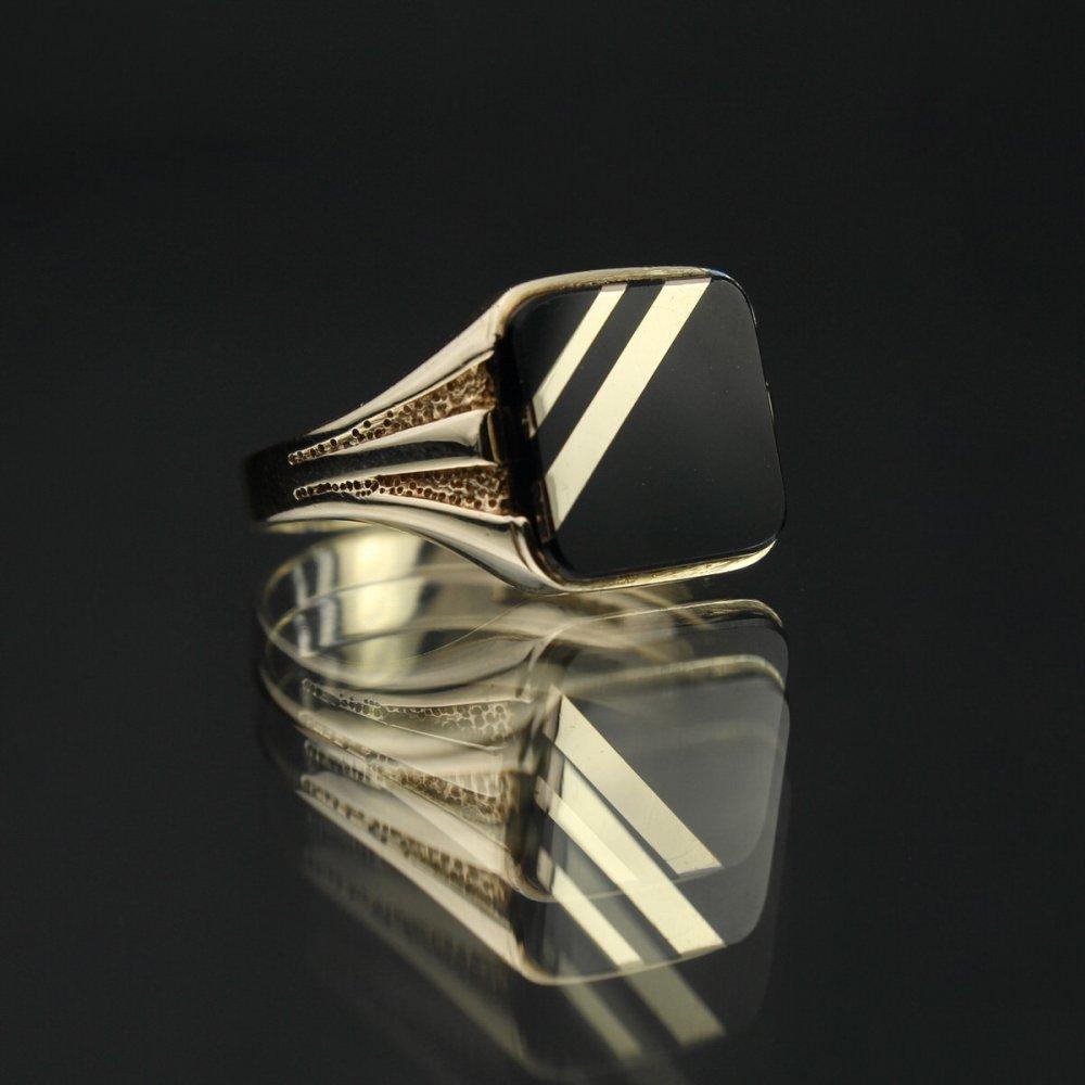 古着 通販 ヴィンテージ シグネット リング【Made in ENGLAND】【375 9ct Gold】Square Diagonal × Onyx