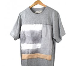 nusumigui<br /><br />Hand-painted&Patchwork Tee<br />「sumiiro」
