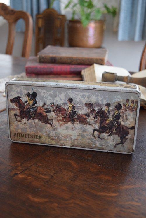 ベルギー アンティーク缶 (馬・騎手)