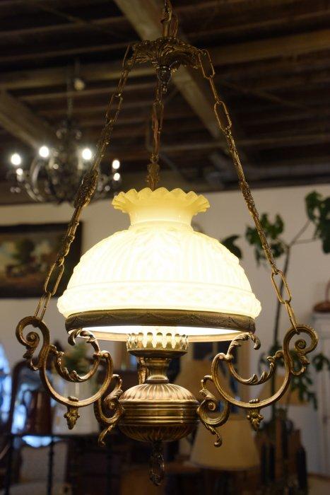 真鍮製大きなイエローガラスシェードランプ(送料込み)