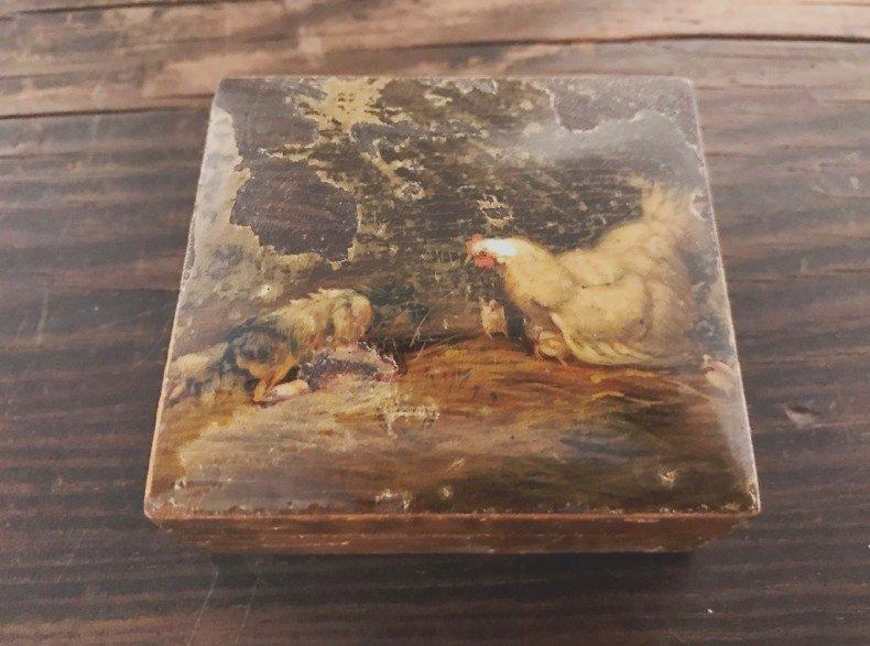 鶏とひよこと仔犬の絵がらの小さな木箱