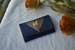 Compact mirror case with Terrier