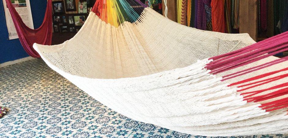 ハンモック ベッド型 細糸コットン V-WAVE編み ナチュラルwithレインボーアーム