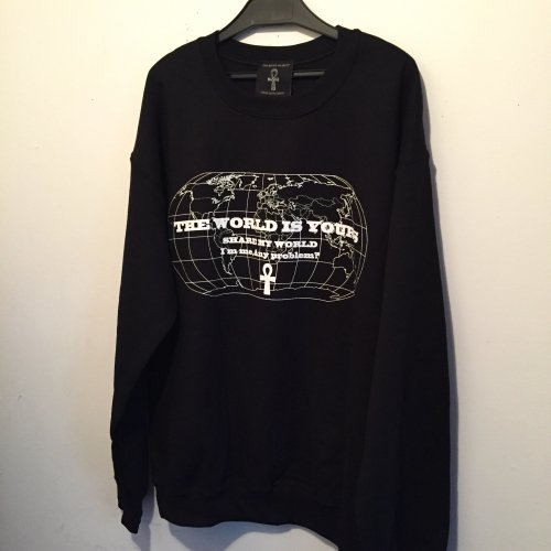 <img class='new_mark_img1' src='//img.shop-pro.jp/img/new/icons15.gif' style='border:none;display:inline;margin:0px;padding:0px;width:auto;' />The world is yours sweat shirt【Black×White】