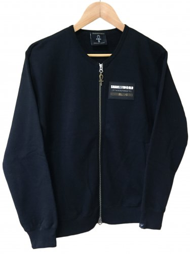 <img class='new_mark_img1' src='https://img.shop-pro.jp/img/new/icons14.gif' style='border:none;display:inline;margin:0px;padding:0px;width:auto;' />No collar zip hoodie