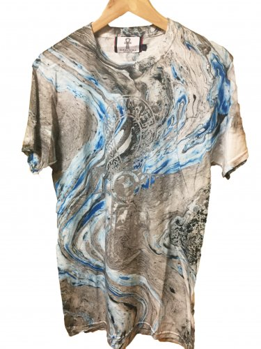 <img class='new_mark_img1' src='//img.shop-pro.jp/img/new/icons55.gif' style='border:none;display:inline;margin:0px;padding:0px;width:auto;' />Marble blue Tie Dye T-shirt【silver】