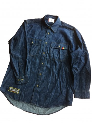 <img class='new_mark_img1' src='//img.shop-pro.jp/img/new/icons15.gif' style='border:none;display:inline;margin:0px;padding:0px;width:auto;' />Denim shirt