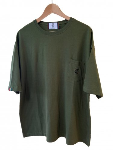<img class='new_mark_img1' src='https://img.shop-pro.jp/img/new/icons15.gif' style='border:none;display:inline;margin:0px;padding:0px;width:auto;' />Embroidery pocket T-shirt【green】