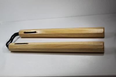 ★空手グッズ ヌンチャク 木製 6角型 白茶 武器 護身用品 二節棍