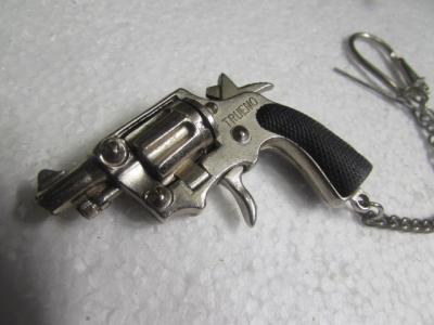 ★ピストル M36 チーフ キーホルダー 発火式 少しだけ汚れありのため特価 ミニチュア モデルガン