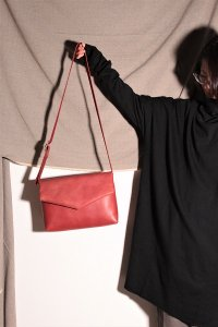 ohta red letter bag/手紙鞄 ウメ ユニセックス