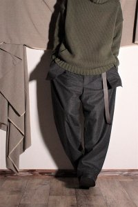 ASEEDONCLOUD 外ポケットテーパードパンツ/Spriggan Trousers ダークグレー ユニセックス