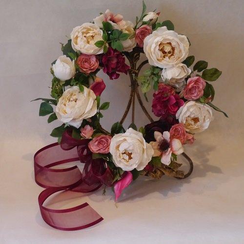 高級造花のローズの玄関用フラワーリース