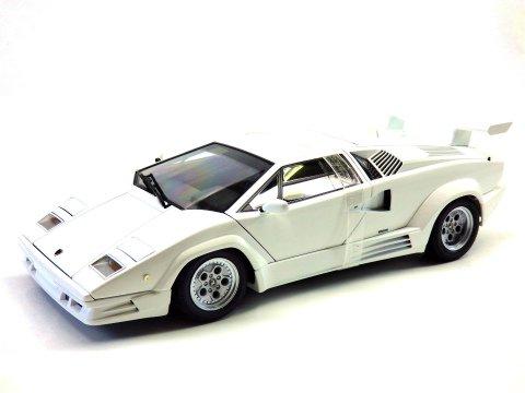 Lamborghini Countach 25th Anniversary Edition White 1 18aa 74537