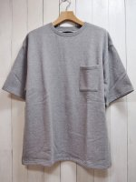 <img class='new_mark_img1' src='//img.shop-pro.jp/img/new/icons41.gif' style='border:none;display:inline;margin:0px;padding:0px;width:auto;' />【Magine】URAKE BIG SILHOUETTE PKT TEE(GRAY)