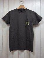 【VELVA SHEEN】NY S/S C/N TEE W/PK(BLACK)