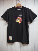<img class='new_mark_img1' src='https://img.shop-pro.jp/img/new/icons14.gif' style='border:none;display:inline;margin:0px;padding:0px;width:auto;' />【SEVESKIG】GIRL T-SHIRT(BLACK)