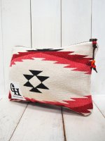 【GRAB IN HOLLYWOOD】NATIVE BLANKET POUCH /B