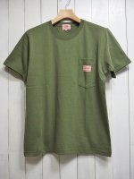 <img class='new_mark_img1' src='https://img.shop-pro.jp/img/new/icons14.gif' style='border:none;display:inline;margin:0px;padding:0px;width:auto;' />【BIG MIKE】SUNGLASSES POCKET TEE(OLIVE)