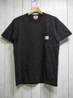 <img class='new_mark_img1' src='https://img.shop-pro.jp/img/new/icons14.gif' style='border:none;display:inline;margin:0px;padding:0px;width:auto;' />【BIG MIKE】SUNGLASSES POCKET TEE(BLACK)