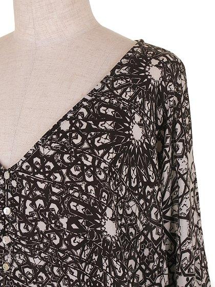 LOVESTITCHのGabrielaBlouse/海外ファッションが好きな大人カジュアルのためのLOVESTITCH(ラブステッチ)のトップスやカットソー。カジュアルに着こなせる総柄のトップス。レーヨンのテロテロ素材に花柄を幾何学模様で表現したようなプリントデザイン。/main-5