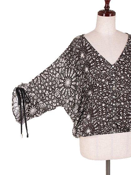 LOVESTITCHのGabrielaBlouse/海外ファッションが好きな大人カジュアルのためのLOVESTITCH(ラブステッチ)のトップスやカットソー。カジュアルに着こなせる総柄のトップス。レーヨンのテロテロ素材に花柄を幾何学模様で表現したようなプリントデザイン。/main-7