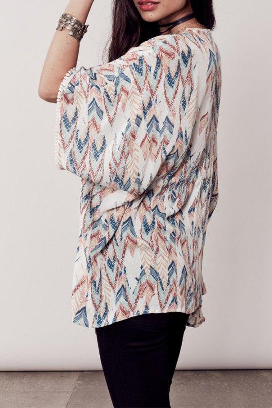 LOVESTITCHのBrunaTop/海外ファッションが好きな大人カジュアルのためのLOVESTITCH(ラブステッチ)のトップスやカットソー。夏っぽいカフタンルックのトップス。ナチュラル系カラーの総柄なので、色合わせも楽チンです。/main-12