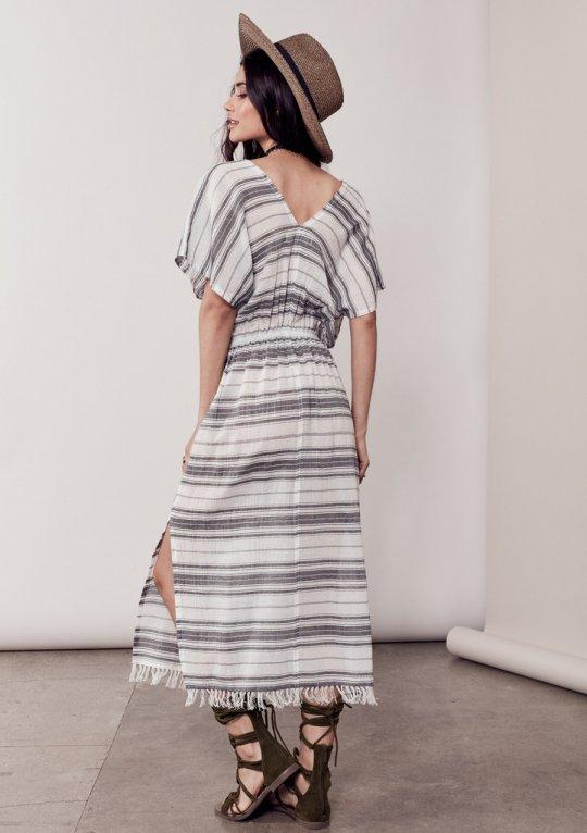 LOVESTITCHのJuliettaCaftanDress/海外ファッションが好きな大人カジュアルのためのLOVESTITCH(ラブステッチ)のワンピースやマキシワンピース。サラッとした肌触りのボーダーマキシ。涼しげな質感と透け感があります。/main-14