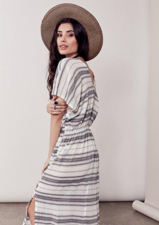 LOVESTITCHのJuliettaCaftanDress/海外ファッションが好きな大人カジュアルのためのLOVESTITCH(ラブステッチ)のワンピースやマキシワンピース。サラッとした肌触りのボーダーマキシ。涼しげな質感と透け感があります。/main-16