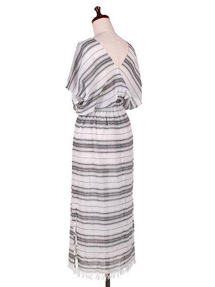 LOVESTITCHのJuliettaCaftanDress/海外ファッションが好きな大人カジュアルのためのLOVESTITCH(ラブステッチ)のワンピースやマキシワンピース。サラッとした肌触りのボーダーマキシ。涼しげな質感と透け感があります。/main-3