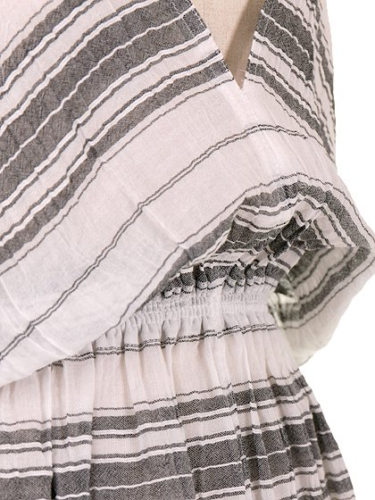 LOVESTITCHのJuliettaCaftanDress/海外ファッションが好きな大人カジュアルのためのLOVESTITCH(ラブステッチ)のワンピースやマキシワンピース。サラッとした肌触りのボーダーマキシ。涼しげな質感と透け感があります。/main-7