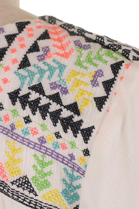 LOVESTITCHのDelaDressカラフル刺繍・ミニワンピース/海外ファッションが好きな大人カジュアルのためのLOVESTITCH(ラブステッチ)のワンピースやミニワンピース。発色の良い刺繍がポイントのミニワンピース。ネイティブ柄をポップにアレンジしたボヘミアンなアイテムです。/main-6