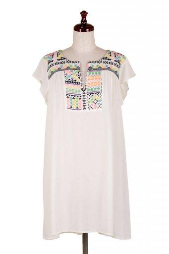 海外ファッション好きのためのカリフォルニアテイストの大人カジュアルインポートブランドLOVESTITCH(ラブステッチ)のDela Dress カラフル刺繍・ミニワンピース