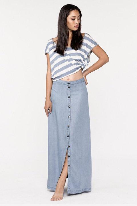 LOVESTITCHのJoanieMaxiSkirt/海外ファッションが好きな大人カジュアルのためのLOVESTITCH(ラブステッチ)のボトムやスカート。薄手のテンセルデニムを使用したマキシスカート。テロテロの素材感で季節を問わず大活躍。/main-11