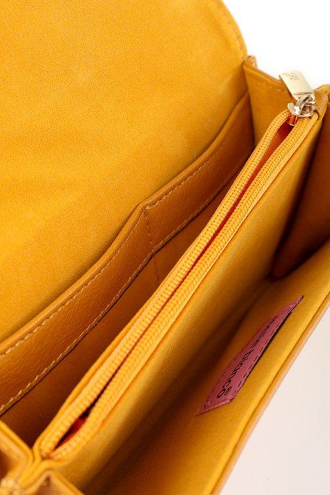meliebiancoのBritney/海外ファッション好きにオススメのインポートバッグとかばん、MelieBianco(メリービアンコ)のバッグやクラッチバッグ。大きめのピラミッドスタッズがアクセントのお財布。スタッズはもちろんですが、サイドのメタルタッセルもかなりカワイイおすすめポイントです。/main-10