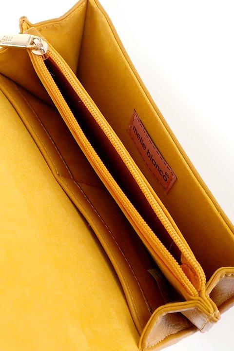 meliebiancoのBritney/海外ファッション好きにオススメのインポートバッグとかばん、MelieBianco(メリービアンコ)のバッグやクラッチバッグ。大きめのピラミッドスタッズがアクセントのお財布。スタッズはもちろんですが、サイドのメタルタッセルもかなりカワイイおすすめポイントです。/main-11