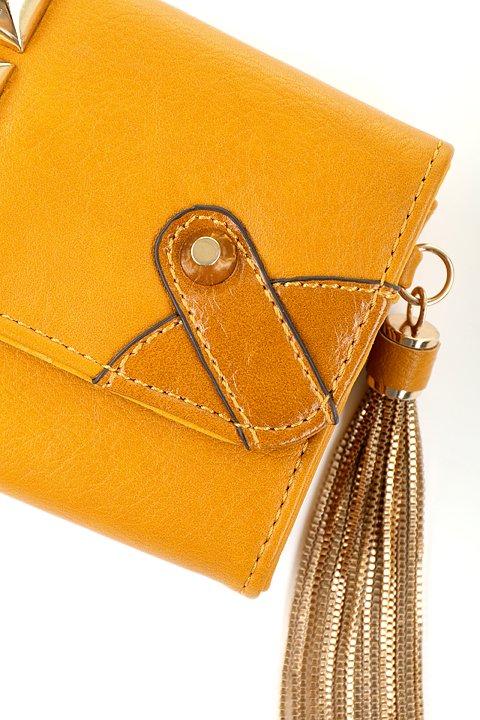 meliebiancoのBritney/海外ファッション好きにオススメのインポートバッグとかばん、MelieBianco(メリービアンコ)のバッグやクラッチバッグ。大きめのピラミッドスタッズがアクセントのお財布。スタッズはもちろんですが、サイドのメタルタッセルもかなりカワイイおすすめポイントです。/main-8