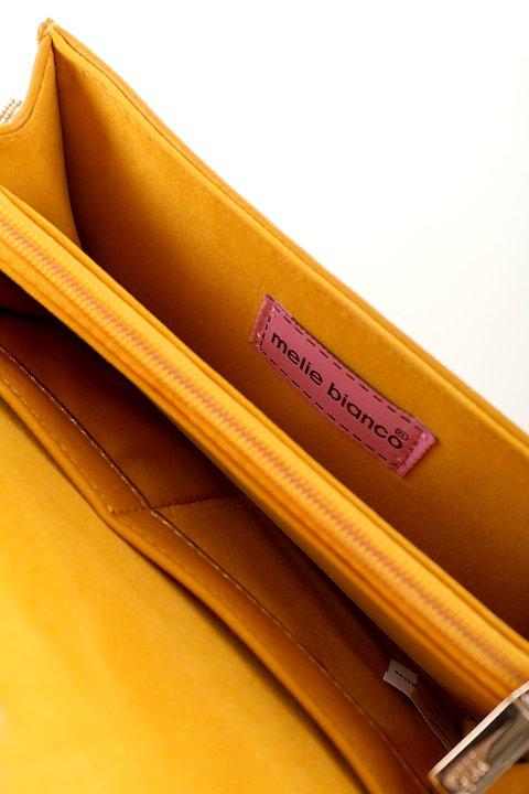 meliebiancoのBritney/海外ファッション好きにオススメのインポートバッグとかばん、MelieBianco(メリービアンコ)のバッグやクラッチバッグ。大きめのピラミッドスタッズがアクセントのお財布。スタッズはもちろんですが、サイドのメタルタッセルもかなりカワイイおすすめポイントです。/main-9