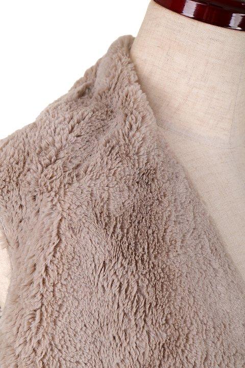 LOVESTITCHのElsaVest/海外ファッションが好きな大人カジュアルのためのLOVESTITCH(ラブステッチ)のアウターやカーディガン。しっとりとしたムートン地のドレープ・ジレ。表側は高級感のあるヌバック調で、内側の起毛部分は頬擦りしたくなるような柔らかさです。/main-5