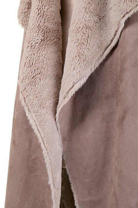 LOVESTITCHのElsaVest/海外ファッションが好きな大人カジュアルのためのLOVESTITCH(ラブステッチ)のアウターやカーディガン。しっとりとしたムートン地のドレープ・ジレ。表側は高級感のあるヌバック調で、内側の起毛部分は頬擦りしたくなるような柔らかさです。/main-7