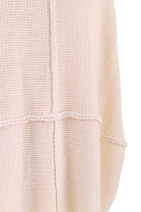 LOVESTITCHのTamaraSweater/海外ファッションが好きな大人カジュアルのためのLOVESTITCH(ラブステッチ)のトップスやニット・セーター。重ねた見頃とファンネルネックが可愛いオーバーサイズニット。アンゴラ混の柔らか素材でカジュアル感の中に高級感が感じられます。/main-13