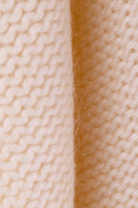 LOVESTITCHのTamaraSweater/海外ファッションが好きな大人カジュアルのためのLOVESTITCH(ラブステッチ)のトップスやニット・セーター。重ねた見頃とファンネルネックが可愛いオーバーサイズニット。アンゴラ混の柔らか素材でカジュアル感の中に高級感が感じられます。/main-15