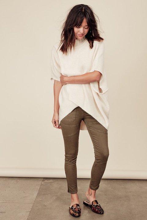 LOVESTITCHのTamaraSweater/海外ファッションが好きな大人カジュアルのためのLOVESTITCH(ラブステッチ)のトップスやニット・セーター。重ねた見頃とファンネルネックが可愛いオーバーサイズニット。アンゴラ混の柔らか素材でカジュアル感の中に高級感が感じられます。/main-6